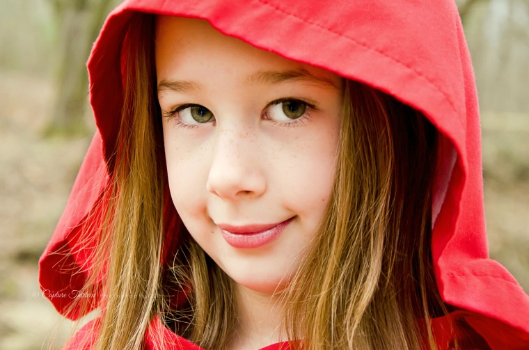 ©CaptureThirteenPhotography Little Red Riding Hood